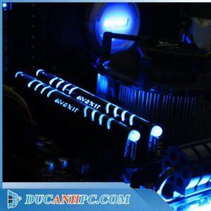 ram ddr4 8Gb AVEXIR bus 2400Mhz hiệu ứng Led RGB màu xanh